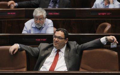 Shai Piron, ancien ministre de l'Education de Yesh Atid, à la Knesset, en avril 2013. (Crédit : Miriam Alster/Flash90)
