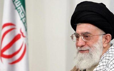 L'ayatollah Ali Khamenei, guide suprême de l'Iran (Crédit : Wiki Commons)