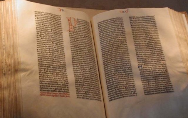 La Bible de Gutenberg. (Crédit : Raul654/CC-BY-SA/Wikimedia Commons)