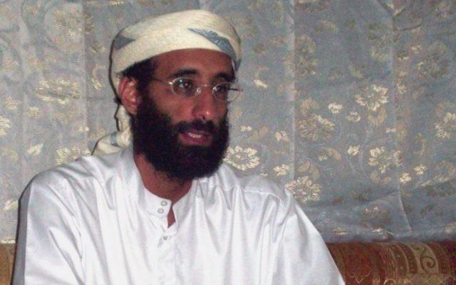Anwar al-Awlaki , citoyen américain devenu jihadiste et figure importante d'Al-Qaïda au Yémen, a été tué par un drone en 2011. (Crédit : CC-BY-SA, Muhammad ud-Deen, Wikipedia)