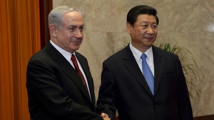 Le Premier ministre israélien  Benjamin Netanyahu et le Président chinois Xi Jinping, le 9 mai 2013 (Crédit photo: Avi Ohayon/Flash90)