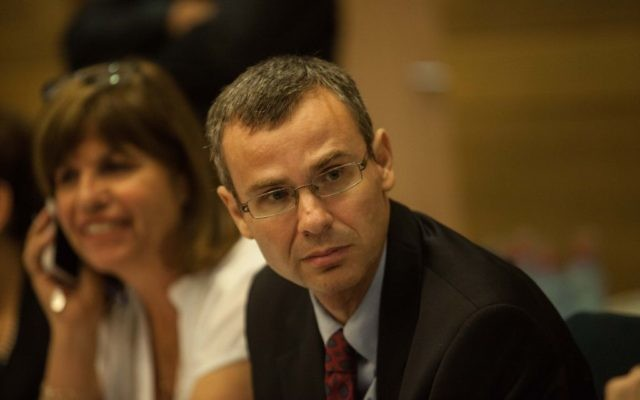 Yariv Levin, ministre du Tourisme, le 24 juillet 2012. (Crédit : Uri Lenz/Flash90)
