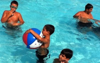 Sun and fun at Meir Panim camps (courtesy photo)