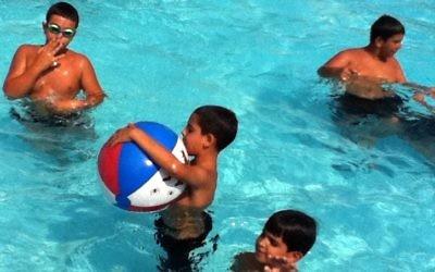 Sun and fun at Meir Panim camps (courtesy photo)