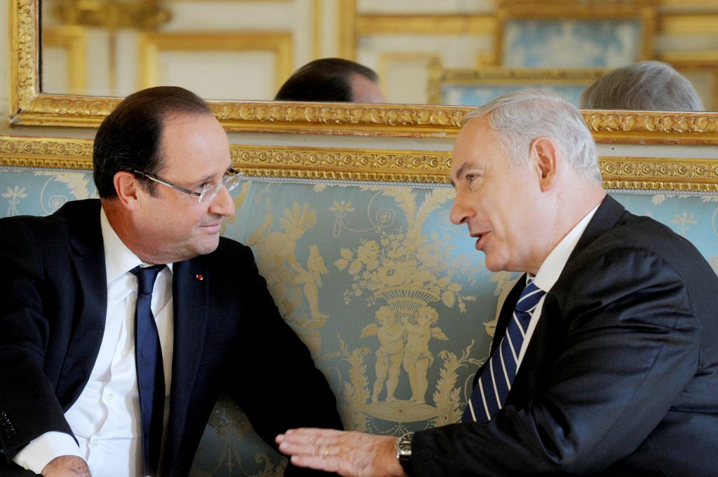 Le Premier ministre Benjamin Netanyahu et le président français François Hollande à Paris, le 31 octobre 2012. (Crédit : Avi Ohayon/Flash 90)