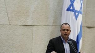 Hilik Bar, député de l'Union sioniste, à la Knesset. (Crédit : Miriam Alster/Flash90)