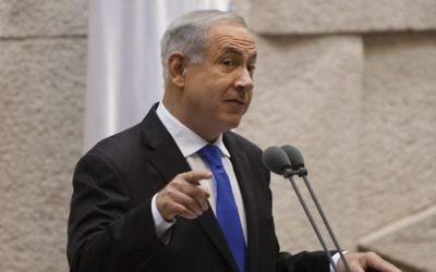 Le Premier ministre Benjamin Netanyahu à la Knesset, le 9 juillet 2013. (Crédit : Flash90)