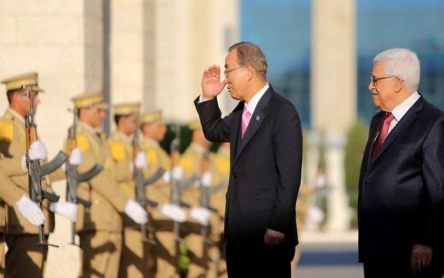 Le secrétaire général de l'ONU Ban Ki-moon et le président de l'Autorité palestinienne (Crédit : Issam Rimawi/Flash90)