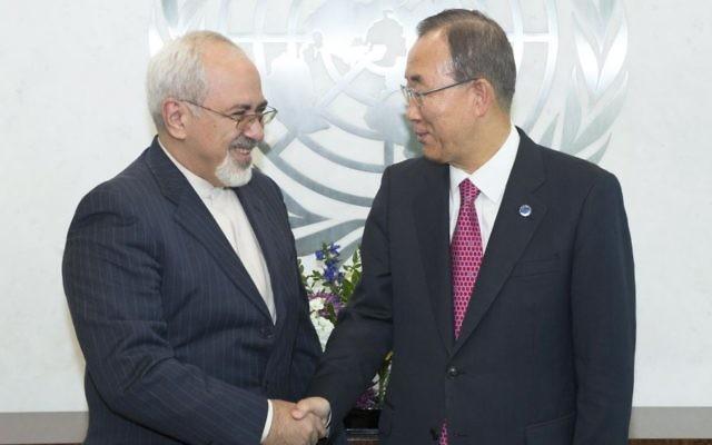 Le secrétaire général des Nations unies Ban Ki-Moon et le ministre des Affaires étrangères iranien Zarif (Crédit : Eskinder Debebe/Nations unies)