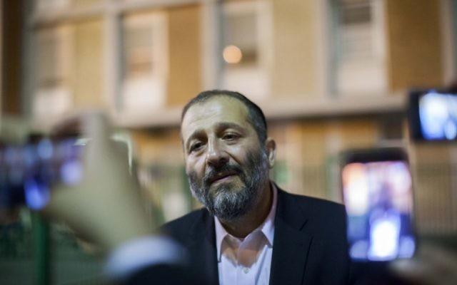 Aryeh Deri à Jérusalem - septembre 2013. (Crédit : Yonatan Sindel/Flash90)