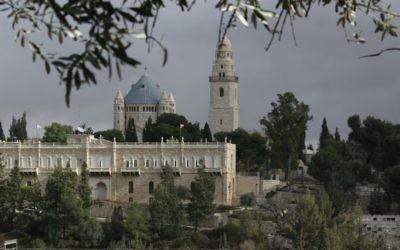 L'église de la Dormition sur le mont Sion à Jerusalem. (Crédit : Anna Kaplan/Flash90)