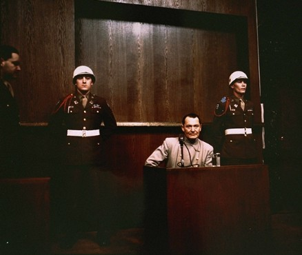 Hermann Goering aux procès de Nuremberg. (Crédit : US Government/public domain)