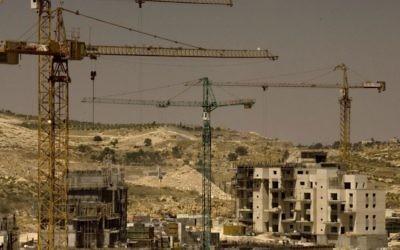 Constructions dans le quartier Har Homa de Jérusalem. Illustration. (Crédit : Olivier Fitoussi/Flash90)