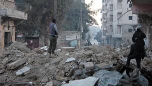 Des combattants rebelles à Alep, le 7 janvier 2014 (Crédit AFP - Archives Medo Halab)
