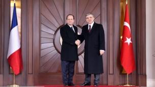 Le président français François Hollande et son homologue turque Abdullah Gul à Ankara, en Turquie, le 27 janvier 2014 (Crédit : AFP/Adem Altan)