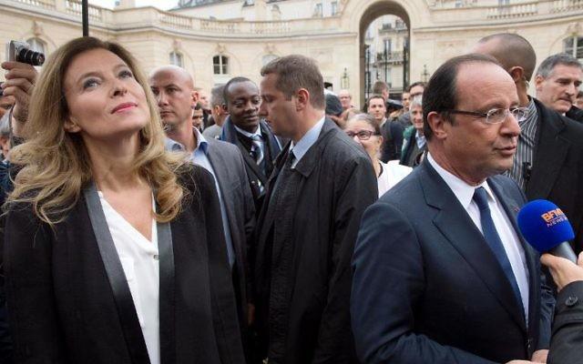 François Hollande et Valérie Trierweiler (Crédit : AFP/Lionel Bonaventure)