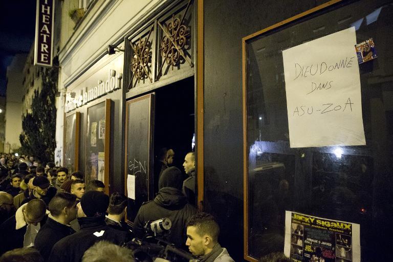 L'entrée du théâtre de la Main d'Or, à Paris, le 13 janvier 2014. (Crédit : Patrick Kovarik/AFP)