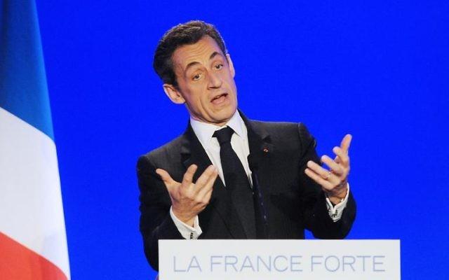 Nicolas Sarkozy lors d'un meeting aux Sables-d'Olonne le 4 mai 2012  (Crédit : AFP/Archives Alain Jocard)
