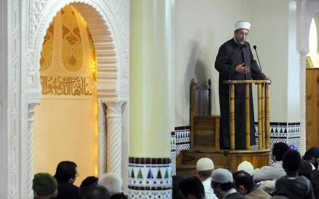 Tareq Oubrou, le grand imam de la mosquée de Bordeaux - 27 décembre 2013 - (Crédit : AFP/Mehdi Fedouach)