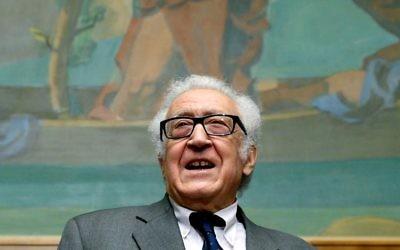 Le médiateur de l'ONU Lakhdar Brahimi, le 30 janvier 2014 à Genève (Crédit: AFP/Philippe Desmazes)