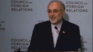 Le ministre des Affaires étrangères iranien, Mohammad Javad Zarif (Crédit : capture d'écran YouTube/CFR)