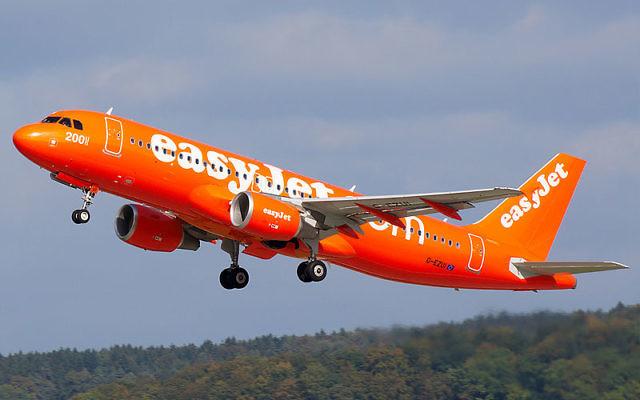 Un airbus de la compagnie EasyJet. Illustration. (Crédit : Biggerben/CC BY-SA 3.0/Wikimedia Commons)