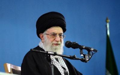 L'ayatollah Khamenei, le 8 février 2014 à Téhéran (Crédit : Site web de l'ayatollah Khamenei/AFP/Archives)