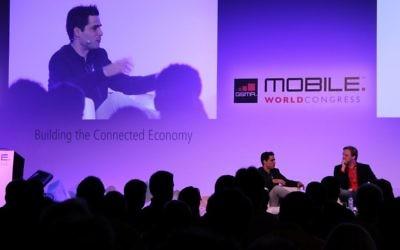 Talmon Marco, président de Viber (G) au Mobile World Congress à Barcelone, Février 2012 (Crédit : CC BY Sergio Uceda/Flickr)