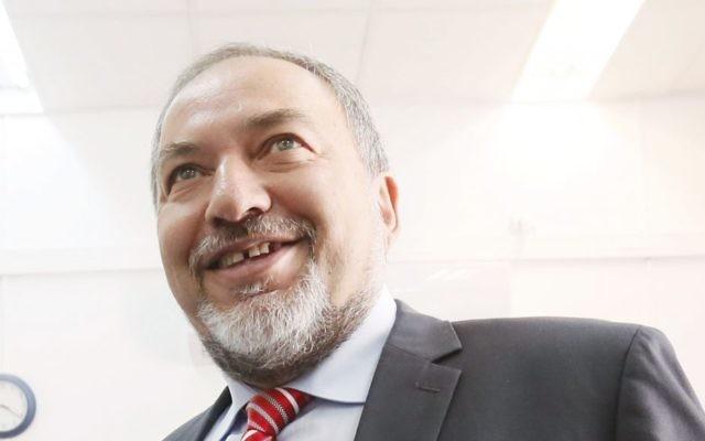 Avigdor Liberman, ministre des Affaires étrangères israélien (Crédit : Miriam Alster/Flash90)