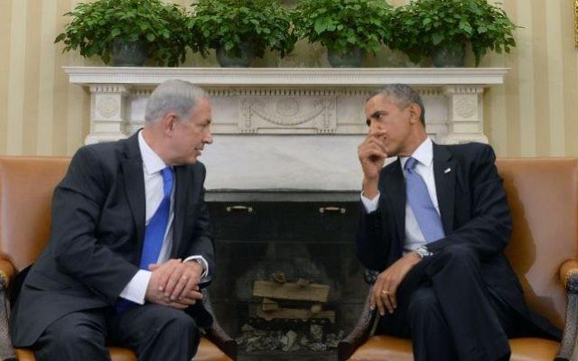 Le président Barack Obama et le premier ministre Benjamin Netanyahu ont une entrevue dans le bureau ovale de la Maison Blanche à Washington, DC, le 30 septembre 2013. (Kobi Gideon/GPO/Flash90)