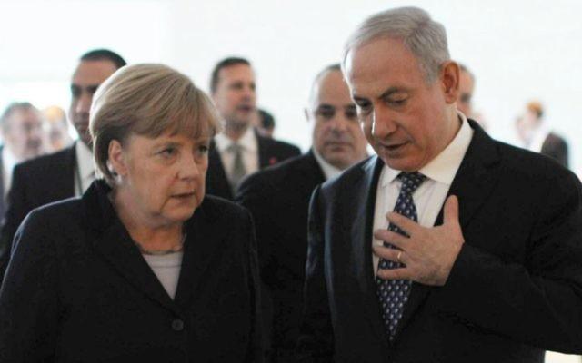 La chancelière allemande Angela Merkel et le Premier ministre israélien Benjamin Netanyahu à Berlin, décembre 2012 (Crédit : Amos Ben Gershom/GPO/Flash90)