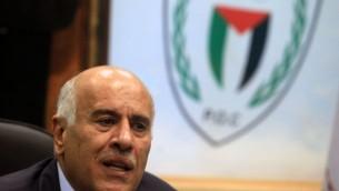 Le responsable du Fatah, Jibril Rajoub à Ramallah le 12 février 2014 (Crédit : Nati Shohat/Flash90)