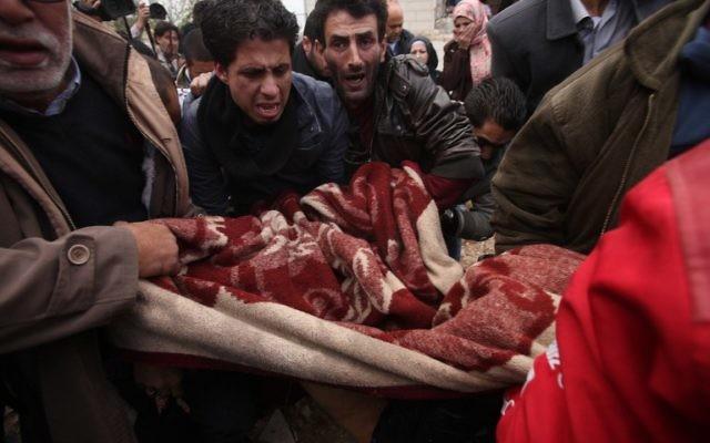 Funérailles à Ramallah du Palestinien (Crédit : ABBAS MOMANI/AFP)