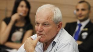Haim Katz, président du Comité du Travail, de la Sécurité sociale et de la Santé à la Knesset (Crédit : Miriam Alster/Flash90)