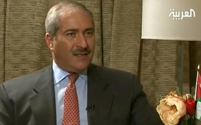 Le chef de la diplomatie jordanienne Nasser Judeh lors d'une interview télévisée (Crédit: Capture d'écran/YouTube)