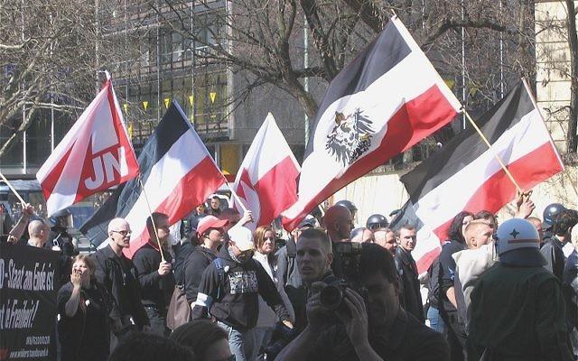 Marche néonazie à Munich en avril 2005 (Crédit : Rufus46/ Wikimedia Commons/CC BY-SA 3.0)