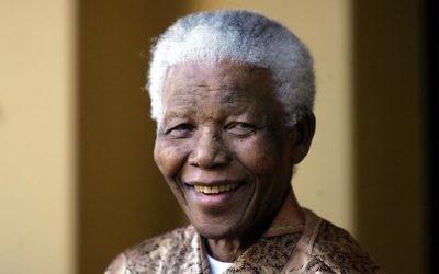 Nelson Mandela, le 14 juin 2005 à Johannesburg  (Crédit : AFP/Archives/Alexander Joe)