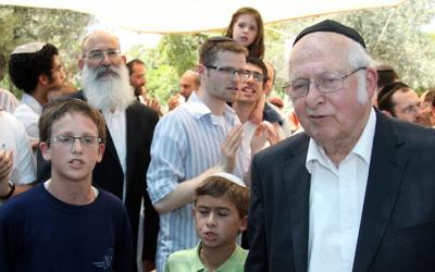 Le Rabbi Aharon Lichtenstein (à droite) (Crédit photo : Flash 90)