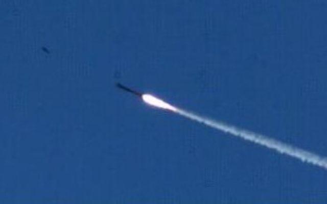 Tirs de roquettes (Crédit : Ministère de la Défense/Flash 90)