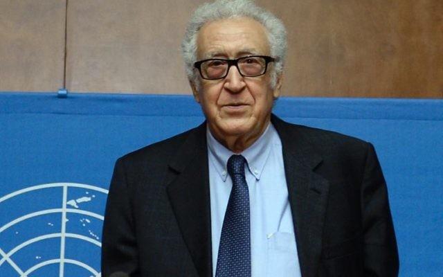 Délégations de l'opposition et du gouvernement syrien se retrouvent lundi avec le médiateur de l'ONU Lakhdar Brahimi après une semaine de pause pour la Conférence dite de Genève II. (Crédit : AFP/Archives/Philippe Desmazes)