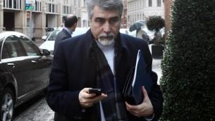 L'ambassadeur iranien en Autriche Hassan Tajik, le 17 février 2014 à Vienne (Crédit : AFP/Dieter Nagl)