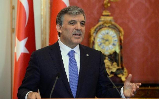 Le gouvernement turc envisage d'amender certaines dispositions contestées durcissant le contrôle d'internet récemment adoptées au Parlement au grand dam de l'opposition, des ONG et de plusieurs capitales étrangères, a rapporté mardi la presse locale. (Crédit : AFP Attila Kisbenedek)