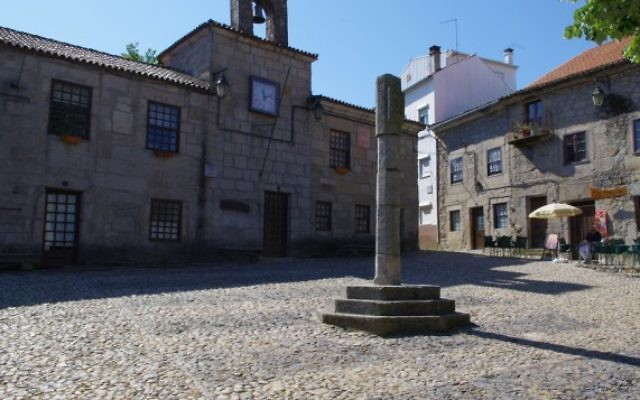 La ville portugaise de Belmonte, où vivaient de nombreux Juifs  (Crédit : CC BY Ken and Nyetta, Flickr)