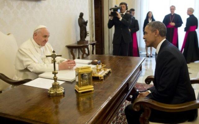 Le pape François Ier, reçoit le président américain Barack Obama, le 27 mars 2014 (Crédit : Saul Loeb/AFP)