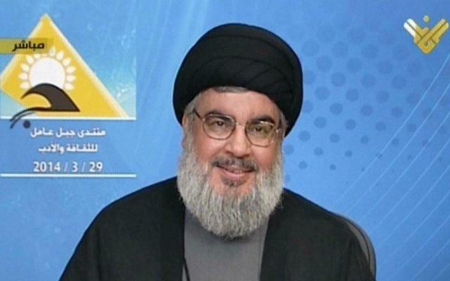 Hassan Nasrallah, le chef du Hezbollah lors de son discours télévisé sur la chaîne du Hebollah Al-Manar, le 29 mars 2014 (Crédit : AFP Photo/Al-Manar)