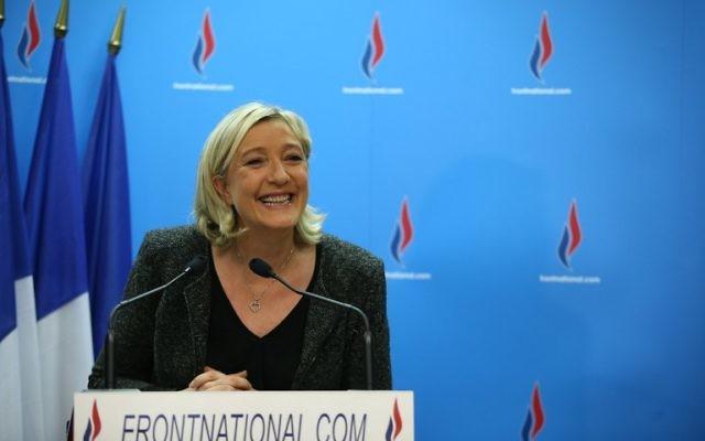 La présidente du parti d'extrême droite Front National, Marine Le Pen, lors d'une conférence de presse, le 23 mars 2014. (Crédit : Kenzo Tribouillard/AFP)