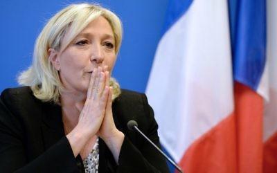 La présidente du Front national, parti d'extrême droite, Marine Le Pen, lors d'une conférence de presse, le 25 mars 2014. (Crédit : AFP/Pierre Andrieu)