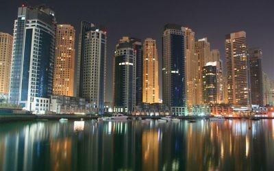 Vue de la Marina de Dubaï, mars 2008 (Crédit : David Pin / Wikimedia Commons / CC BY 2.0)