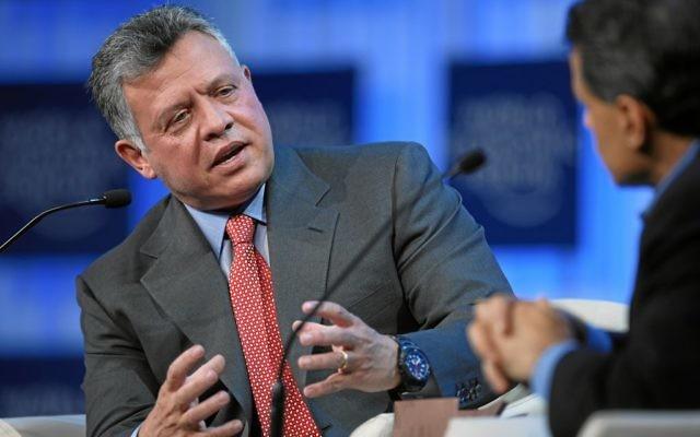 Le roi Abdullah II de Jordanie au Forum mondial de l'économie 2013 (Crédit : CC BY Sebastian Derungs/World Economic Forum/Flickr)