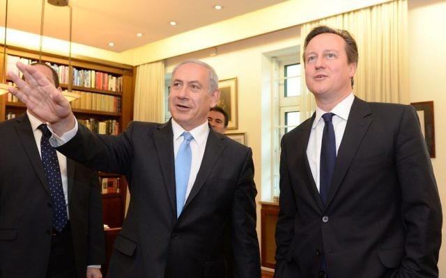 Benjamin Netanyahu et David Cameron (Crédit : Kobi Gideon/Flash 90)